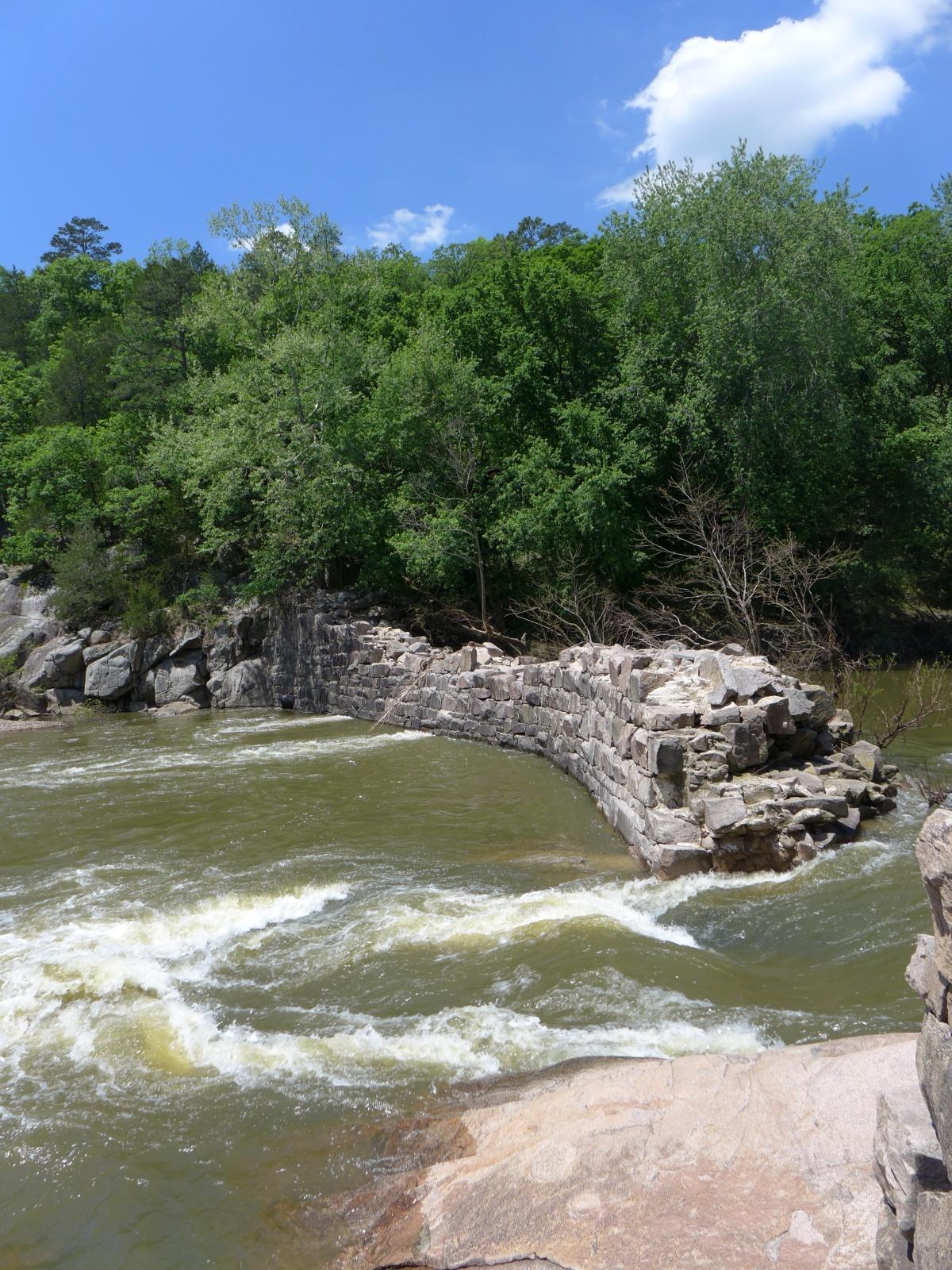Hiking in missouri - Millstream gardens conservation area ...